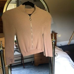Blush pink tight cropped sweater with zipper